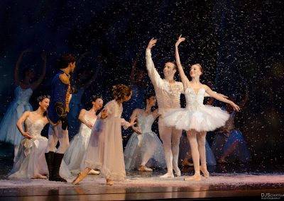 dancers snow nucracker